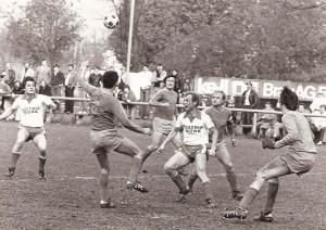 Spielszene aus SV Austria Tabak gegen UFC Eferding aus den späten 1970er Jahren. Foto: privat/oepb
