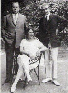 Viktor Eckhardt (links), Fritz Eckhardt (rechts) sowie die Stiefmutter Tilly, mit der sich Fritz sehr gut verstanden hatte. Foto: Fritz Eckhardt / Sammlung oepb