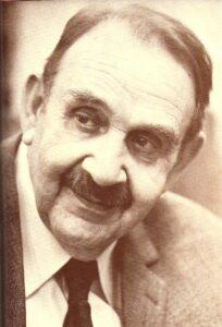 Nicht nur mit einem Lächeln durchs Leben, sondern stets auch ein bisserl den Schalk im Nacken - das war der unvergleichliche Fritz Eckhardt. Foto: Fritz Eckhardt / Sammlung oepb