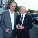 Karl Stotz (u.a. ÖFB-Teamchef von 1978 bis 1981) rechts und das oepb.
