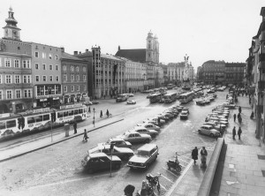Der Linzer Hauptplatz in den späten 70iger Jahren.