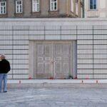 Das Mahnmal für die jüdischen Opfer der Schoah auf dem Judenplatz wurde am 25. Oktober 2000 enthüllt.