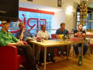V.l.: Am Podium: Domenico Jacono, Edgar Schütz, Matthias Marschik, Steffen Hofmann und Andreas Ogris. Foto: oepb