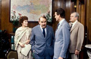 tatort Grandhotel (1979): Von links: Dany Sigel, Fritz Eckhardt, Rudolf Melichar und Walter Kohls.