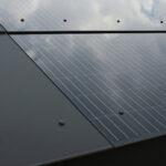 Integral-Plan überzeugt durch flächenbündige Integration von PV-Modulen Foto: Eternit