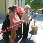 Tiergartendirektorin Dr. Dagmar Schratter (links), sowie Mag. Elisabeth Udolf-Strobl vom Bundesministerium für Wirtschaft, Familie und Jugend anlässlich der Eröffnung.