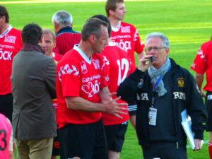 Anton Pfeffer (links) im Gespräch mit Stadionsprecher Fritz Dibidanzl.