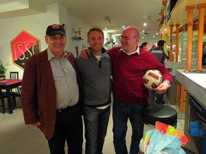 Von links: Peter Tencl, ein langjähriger Anhänger, Ex-1. SSC-Trainer Damir Canadi und 1. SSC-Obmann Mirko Sraihans.