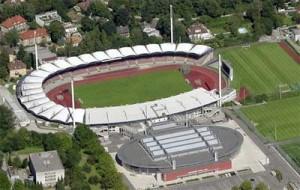 Das Linzer Stadion mit der Tips-Arena von 2003. Foto: Stadt Linz