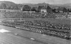 Eröffnungs-Festivitäten am 28. Juni 1952 im Linzer Stadion auf der Gugl. Foto: Archiv der Stadt Linz