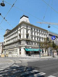Ein eingebranntes Wien-Bild seit 133 Jahren - das Café am Schottenring/Ecke Börsegasse.