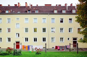 Hartmayrsiedlung, Innenhof der Roth-Limanova-Straße, 2012. Foto: NORDICO Stadtmuseum Linz