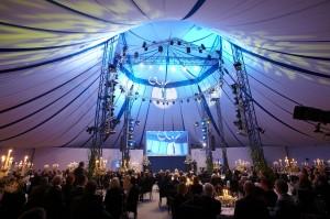 Gala Dinner im Zirkuszelt von Louis Knie jr. Foto: TANNPAPIER