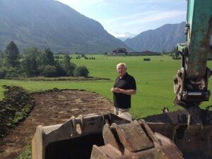Am 11. September 2012 wurde das Finale eingeläutet. Das Narzissen Bad entsteht, die Bagger rollen an. Foto: Stadtgemeinde Bad Aussee