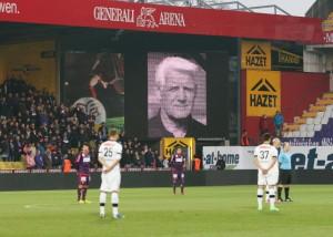 Trauerminute in der Generali-Arena für Branko Elsner. Foto: GEPA