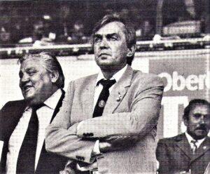 Aufmerksamer Beobachter 1981 gegen Finnland war unter anderem Ernst Happel, der am Weg nach Hamburg war, um beim HSV zu unterschreiben. Foto: oepb
