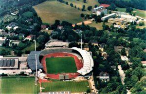 Das Linzer Stadion aus der Luft im Jahre 1988. Foto: API/Linz