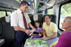 Die zügigen ÖBB bieten entspannte Reisen für die gesamte Familie. Foto: Harald Eisenberger