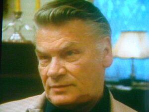 Nachdenklich erzählt Heinz Conrads anlässlich seines 65. Geburtstages in einem ORF-Interview aus seinem Leben.