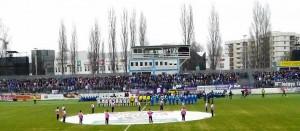 Gut die Hälfte der Zuschauer stand im violetten Lager. Foto: oepb