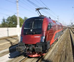 OEBB_railjet bei voller Fahrt_Foto oebb.at