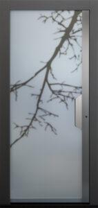 """Die Seitenteile und Griffe der neuen """"Glass""""-Modelle wurden speziell für den rahmenlosen Aufbau entwickelt. Foto: TOPIC"""