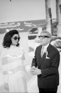 Elly Naschold und Karl Farkas gehen wunderbar als Jackie Kennedy und Aristoteles Onassis durch: Foto: Franz Wilhelm Scheidl, 1968