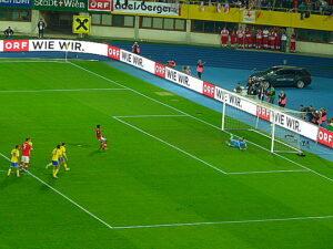 David Alaba schießt das 1:0 gegen Schweden. Foto: oepb