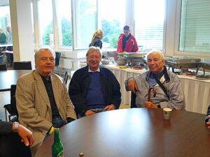 V.l.: WFV-Ehrenpräsident KR Kurt Ehrenberger, sowie die beiden FIFA-Schiedsrichter a.D. Franz Wöhrer und Paul Schiller. Foto: oepb