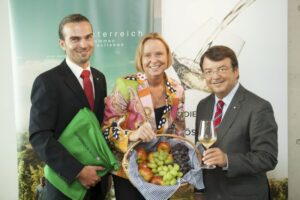 V.l.: Mag. Christian Dworan (Marketing Manager), Dr. Petra Stolba (ÖW Geschäftsführerin), Mag. Willi Klinger (ÖWM Geschäftsführer). Foto: ÖWM