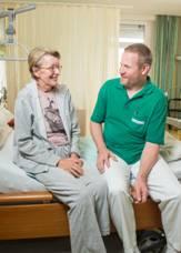 Individuelle Betreuung und Zeit für jeden einzelnen Menschen zeichnen die Palliativstation St. Raphael seit über 20 Jahren aus. Foto: Vinzengruppe