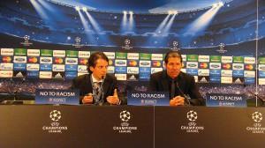 Wortgewandt, freundlich und sein Team über alle Maßen lobend war nach dem Spiel Atletico-Coach Diego Simeone. Links neben ihm der Spanisch-Dolmetscher, der bereits beim FC Porto-Spiel übersetzte. Foto: oepb