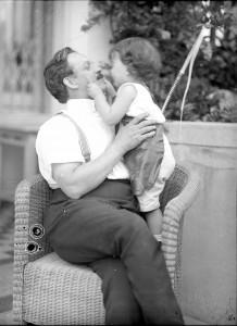Ferdinand Schmutzer mit Sohn Johannes um 1914/1915. Foto: Alice Schmutzer