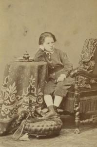 Der Schriftsteller Arthur Schnitzler als Sechsjähriger. Wien, 1868. Foto: Fritz Luckhardt
