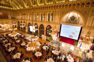 Bundesweintaufe und Bacchuspreisverleihung 2013 in Wien - Blick in den Festsaal des Wiener Rathauses. Foto: ÖWM / Anna Stöcher