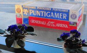 """Nichts desto trotz bestätigt auch die Generali-Arena: """"Nur Veilchen blühen ewig!"""" Foto: oepb"""