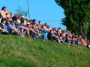 Dank des zahlreich erschienen Sportklub-Anhangs bewegte man sich im Frühjahr 2012 beim 3 : 0-Erfolg knapp im vierstelligen Zuschauer-Bereich. Foto: oepb