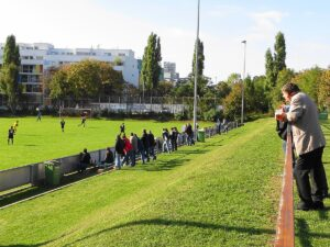 Trotz strahlendem Herbst-Wetter waren am 28. September 2013 kaum Besucher auf der Had. 1 : 3 gegen Post SV. Foto: oepb