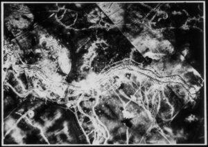 Stellungskrieg aus der Luft. Foto: Österreichische Nationalbibliothek