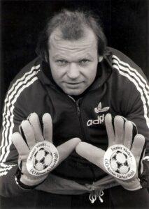 Oftmals ein Zugpferd des SK VÖEST anhand der OÖ-Krone-Kickerwahl war Erwin Fuchsbichler. Hier im Früh-Sommer 1983.