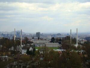Vom Linzer Stadion (im Hintergrund das Werksgelände der voestalpine) ... Foto: oepb
