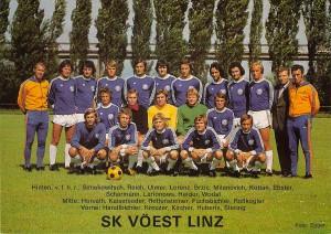 Der letzte Meister der Staatsliga A zieht in das Abenteuer 1. Division ein. Der SK VÖEST zu Beginn der Saison 1974/75.