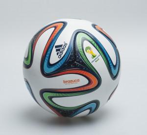 adidas Brazuca für die FIFA Fussball-WM 2014