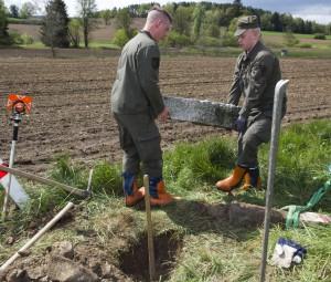 """Unter dem Motto: """"An die Last! Erhebt!"""" wird nicht nur die Kameradschaft gefördert, sondern auch ein Dienst für die Allgemeinheit vorgenommen. Foto: ooe.bundesheer.at"""