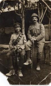 Die Brüder George, 10th Battalion, Sherwood Foresters (Notts und Derby) Regiment, am 22. März 1918 während Kampfhandlungen gefallen, und Harry Brain, Queen's Own Oxfordshire Hussars, in Havrincourt, Frankreich. Foto: Keith Brain