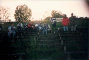 Gstätten-Flair am 3. Mai 1994. Lediglich 300 Besucher wollen Vienna gg. FC Linz (1 : 2) sehen. Foto: oepb