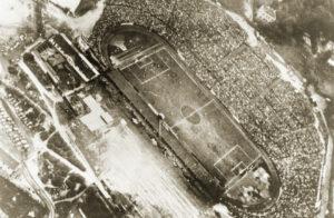 Diese Aufnahme aus dem Jahre 1930 lässt die imposanten Ausmaße der Hohen Warte unvergesslich werden. Foto: First Vienna FC