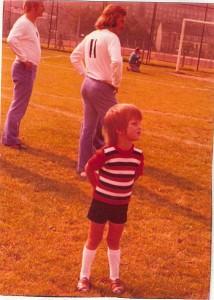 Das heutige oepb, damals 4 Jahre alt, wenige Tage vor dem großen Spiel aus Anlass der Faustball-EM im Linzer Stadion/Nebenfeld (14./15. September 1974). Foto: Ernesto Dohnalek/oepb