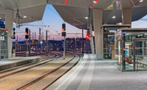 Bisher standen die Ampeln auf Rot, doch seit gestern rollen die Züge nach aller Herren Länder von Wien aus ab. Foto: ÖBB