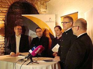 Bürgermeister Thomas Widrich (Zweiter von rechts). Foto: oepb